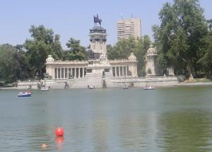 Estanque Grande Parque del Buen Retiro Madrid, Spain