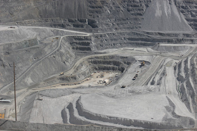 Bingham Canyon Copper Mine, Utah, United States R E Kongaika