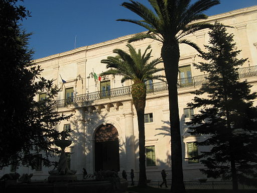 Martina_Franca_Palazzo_Ducale, Martina Franca, Puglia, Italy Photo by Reise-Line