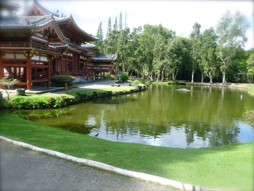 Byodo-In Temple and pond Copyright Ruth Elayne Kongaika